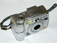 Panasonic LUMIX DMC-LC50 3.2 MP - Digital Camara - Plateado