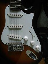 Silvertone Revolver SS10 Maple Neck Sunburst Electric Guitar