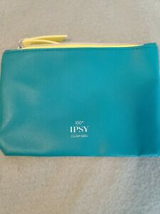 Ipsy Glam Bag Teal Green with Silver Embellishments Zip closure