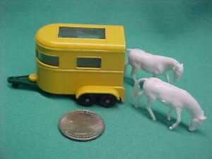 Vintage Lesney England Matchbox 1968 Yellow Pony Trailer with 2 Ponies #43