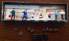 WALTER MERTEN  Men Women Train Station People Luggage HO Scale Model RR Figures