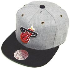 Mitchell & Ness y Miami Heat NP64Z Heather Grey Strapback Cap Gorra Béisbol
