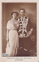 Alte AK Herzog Portraitkarte Ernst August von Braunschweig in Uniform mit Frau