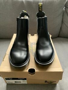 dr martens black Leather Chelsea boots size 6