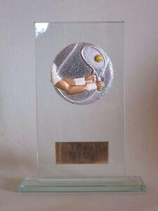 "Glas-Pokal ""Tennis"" mit Wunschgravur"