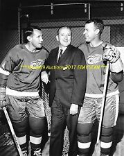 GORDIE HOWE Poses w/SID ABEL & BILL GADSBY 8x10 Photo DETROIT RED WINGS GREATS