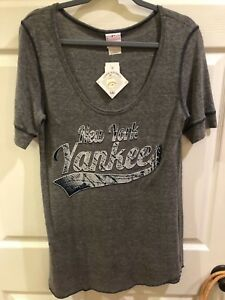New York Yankees MLB T Shirt Gray Scoop Neck Women's Sz M