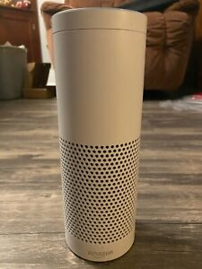 Echo 1st gen Amazon Alexa Smart Voice Speaker WHITE - great condition!