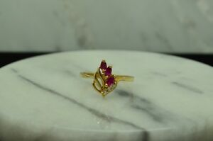 14K YELLOW GOLD SWIRLY LEAF DESIGN PINK RUBY & CZ RING BAND SIZE 7.25
