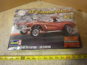 Revell, Vintage 1962 Chevrolet Corvette Gasser, 1/25 scale drag racer model kit.