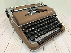 Olympia 1960 SM4 portable Typewriter