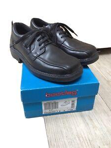 Boys Clarks Bootleg Shoes Black Size 5G