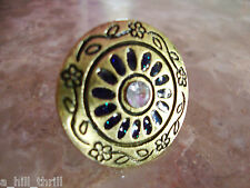VINTAGE BRASS RHINESTONE BLUE ENAMELED OXIDIZED FLOWER & VINE CIRCLE DOME RING