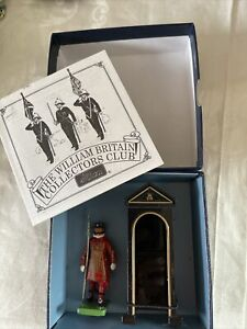 Britain Ceremonial Metal Figure Sentry Box & Beefeater 1998 Release NRFB MB