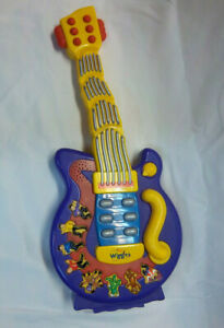 """The Wiggles Wiggling Guitar 18"""" Musical Singing Dancing Toy Spin Master 2004"""