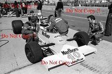 GILLES Villeneuve McLaren m23 di British Grand Prix 1977 fotografia 10