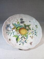 ANCIENNE COUPE PLAT EN FAIENCE A DECOR DE FRUITS FLEURS INSECTES MONOGRAMME AM 2