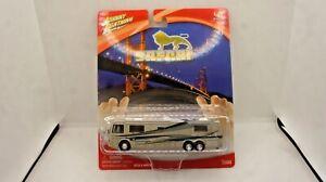 Johnny Lightning Monaco Safari Sahara Coach Motor Homeu Die Cast 1/64