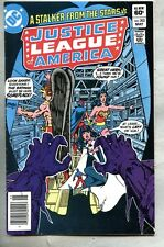 Justice League Of America #202-1982 vg/fn George Perez A stalker from the stars