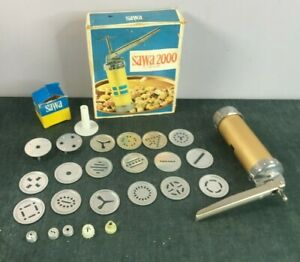 Swedish Sawa 2000 Deluxe Cookie and More Press w/ 18 Discs Piping Box