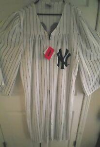 Aaron Judge Chamber Robe #99 NWT FOCO MLB NY Yankees Zipup OSFA ALL RISE