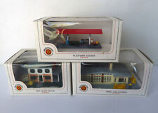 3 NEW N scale BACHMANN Railroad BUILDINGS Shell station/ platform/ 2 story house
