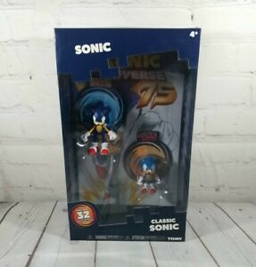 TOMY Sonic the Hedgehog Collector Series 2 Figure Classic Modern Sonic Comic Set