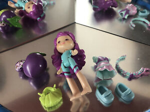 """Strawberry Shortcake Plum Pudding Doll With Accessories. Hasbro 3"""""""