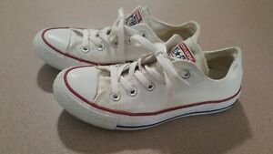 Girl's  Convers Shoes Sneakers size 4  White