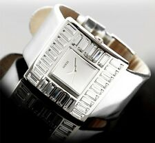 GUESS MARTINI CRYSTAL ACCENTED SILVER LEATHER WATCH W11524L1