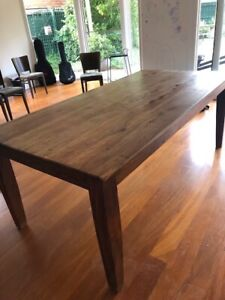 Solid wood Freedom rectangular dining table
