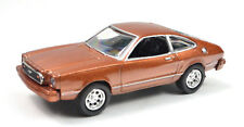 Ford Mustang II Año Fabricación 1977 Marrón Escala 1:64 Von Motormax