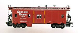 SOUTHERN PACIFIC BAY WINDOW CABOOSE-HO SCALE