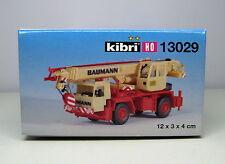 Kibri H0 13029 - Gru mobile Liebherr a 2 assi con insegne Baumann.