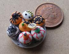 1:12 scala 7 assortiti Cup Cakes su una piastra DOLLS HOUSE miniatura Accessorio CC11