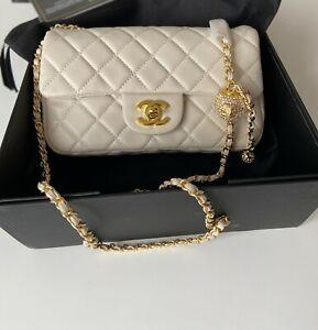 Chanel Vip Umhängetasche in Farbe Weiß