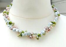 Perlen-Halsketten & -Anhänger im Collier-Stil mit echten Perle gefärbte