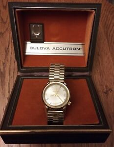 Vintage Bulova Accutron Wristwatch Mens Watch N6 10KG Plate HUMMING 4 Repair VTG