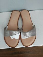 46W759 Womens Ravel Toe Posts Mules White//Silver