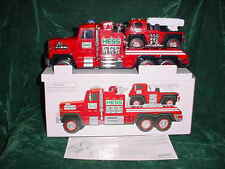 FATHERS  DAY RED  2015 HESS GAS FIRE TRUCK AND LADDER RESCUE(MINT IN BOX)