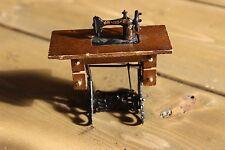 Dollhouse Miniature Sewing Machine in furniture mini Doll House