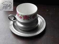 ancienne tasse à café / moka et soucoupe en étain et porcelaine