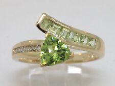 Peridot Ring 585 Gelbgold 14Kt Gold natürlicher Peridot und Brillanten