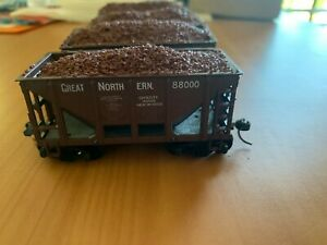 Model Railway HO scale 4 Great Northern Hoppers