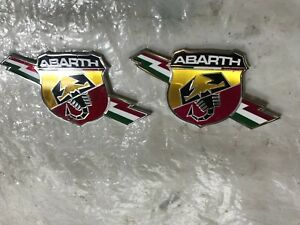 FIAT GRANDE PUNTO EVO ABARTH SIDE BADGE PAIR 735495888 ONLY 47K MILES ONLY