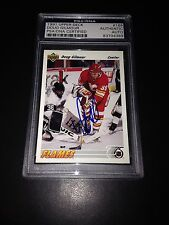 Doug Gilmour Signed 1991-92 Upper Deck Calgary Flames Card PSA Slabbed #83704389