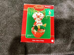 Carlton Strawberry Shortcake Sittin' Berry Pretty Scented Ornament w/box