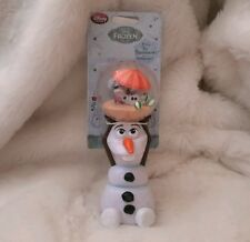 NEW DISNEY STORE FROZEN OLAF SNOWMAN MUSICAL GLOBE WAND PLAYS IN SUMMER SPINNER