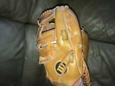 """Wilson 9820 glove mitt, For a right handed throwing player, 13""""^Cowhide"""