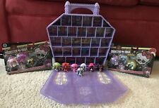 Monster High Minis Collector Case and Original Mini Ghouls includes 13 Minis